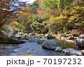 奥津渓の紅葉(岡山県苫田郡) 70197232