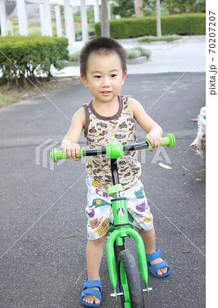 キッズバイク(ストライダー)で自転車の練習 70207207