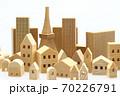 東京の住宅模型 白背景 70226791