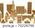東京の住宅模型 白背景 70226796