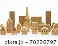 東京の住宅模型 白背景 70226797