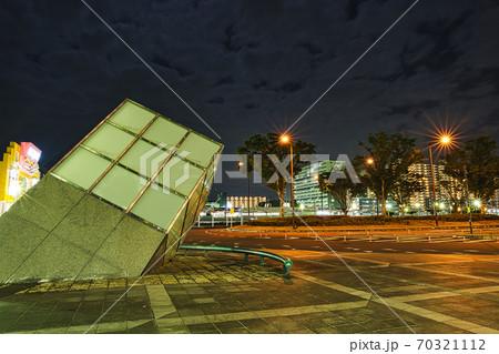 夜の千葉ニュータウン中央駅 ロータリー 70321112