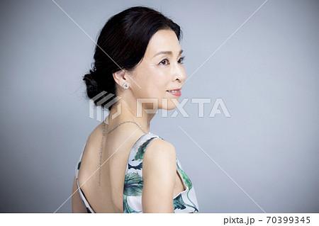 50代女性 ビューティイメージ  70399345