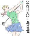 ゴルフを楽しむ女性 70411240