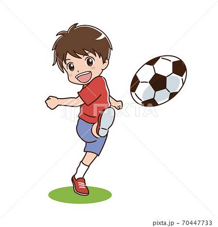 サッカーをする男の子のイラスト 70447733