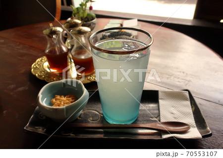 ベトナム中部の観光地ホイアン 旧市街のカフェ 70553107