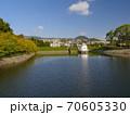 ニテコ池と甲山/兵庫県西宮市 70605330