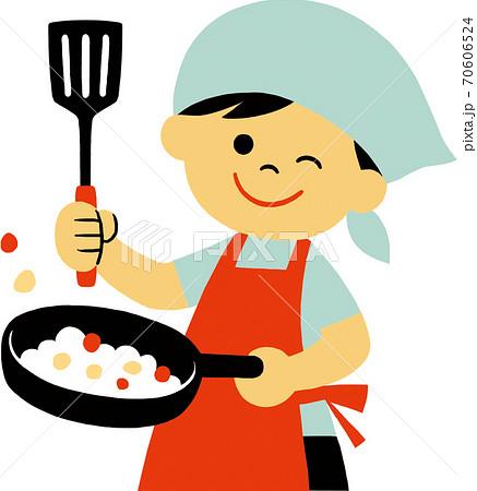 三角巾エプソン姿で調理する子供 70606524