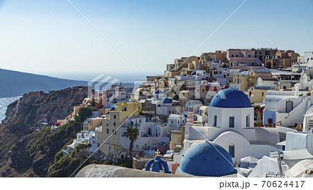 ギリシャ サントリーニ島イア 憧れの青のドーム 70624417