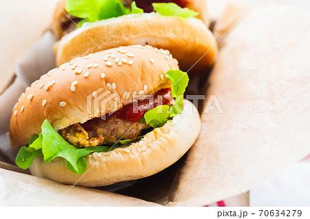 手作りハンバーガー 70634279