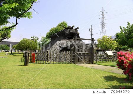 弥生時代の竪穴住居跡 (愛知県岩倉市) 70648570