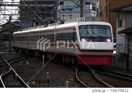 東武伊勢崎線、春日部駅に入線する特急りょうもう(200系) 70670612