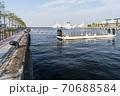 横浜ハンマーヘッドの岸壁基部に、新たな水上交通の拠点となる「新港ふ頭さん橋」が完成した。 70688584