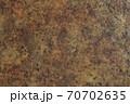錆びた鉄板の表面 70702635