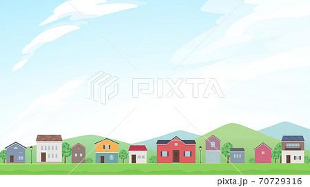 家の並んだ風景と空のフレームイラスト_16:9 70729316