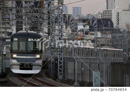 [H]東京メトロ日比谷線13000系(北千住⇔中目黒) 70764654