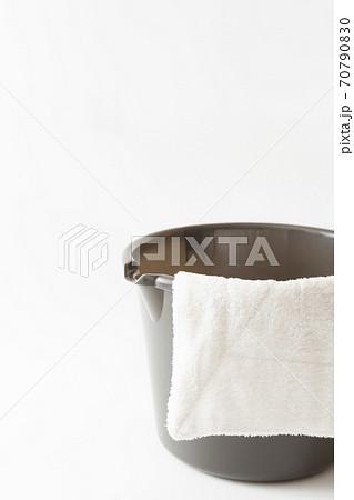 雑巾とバケツ 70790830