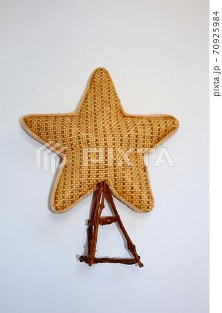 布でできた星のオーナメント ホワイトバック 70925984