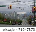 もやっているカナダ バンクーバーの街風景 71047373