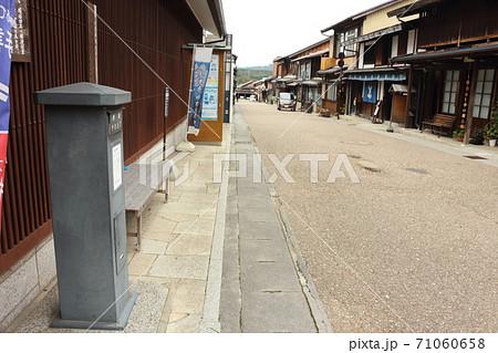 現役の黒塗柱箱風 郵便ポスト(岐阜県恵那市) 71060658
