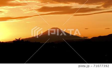 横浜からの富士山6 71077392