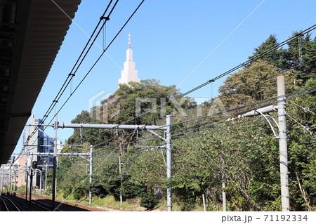 東京都渋谷区JR中央線千駄ヶ谷駅の風景 71192334