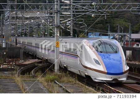 上越新幹線の高架区間をゆくとき号 71193394