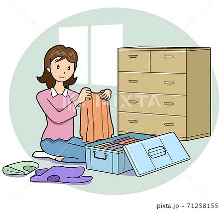 衣替えの季節-衣装の整理整頓 71258155