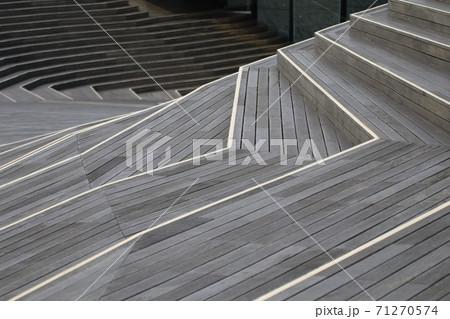 横浜港大さん橋の屋上 71270574