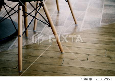 休憩室やミーティングルームのイメージ素材 71312951