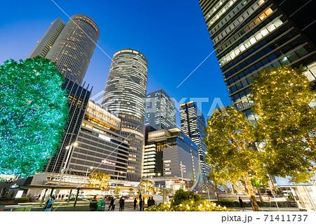 名古屋駅前 イルミネーション  JRセントラルタワーズ JRゲートタワー JPタワー名古屋 71411737
