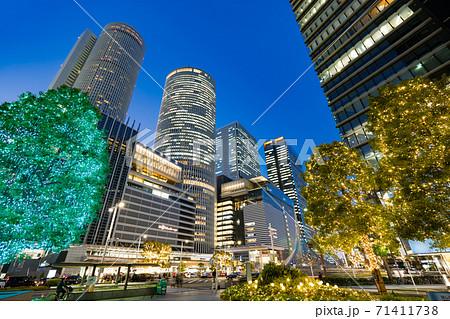 名古屋駅前 イルミネーション  JRセントラルタワーズ JRゲートタワー JPタワー名古屋 71411738