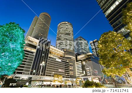 名古屋駅前 イルミネーション  JRセントラルタワーズ JRゲートタワー JPタワー名古屋 71411741