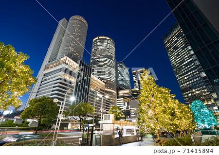 名古屋駅前 イルミネーション JRセントラルタワーズ JRゲートタワー JPタワー名古屋 71415894