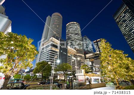 名古屋駅前 イルミネーション JRセントラルタワーズ JRゲートタワー JPタワー名古屋  大名古屋 71438315