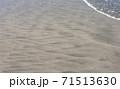 シンプルすぎる海岸の砂模様 71513630