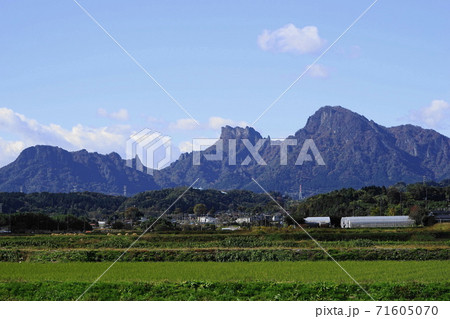 11月 富岡02妙義山と田園風景 71605070