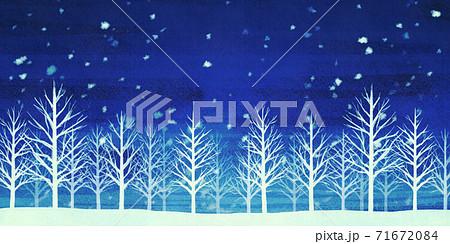 雪景色の森林 冬の背景 71672084