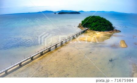 国の天然記念物に指定されている蒲郡市のシンボル『竹島』のドローンでの空からの撮影 71675984