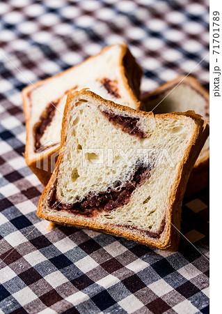 あん食パン 71701789