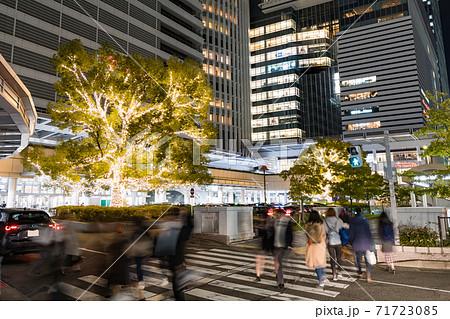 名古屋駅前 イルミネーション  JRセントラルタワーズ JRゲートタワー  71723085