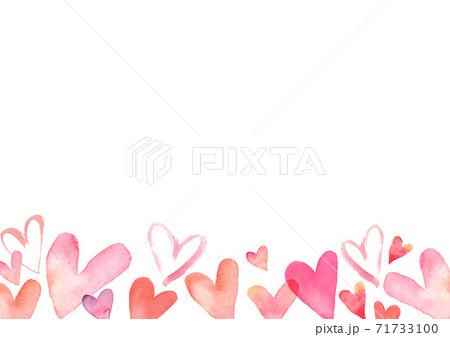 水彩で描いたハートの背景イラスト バレンタイン 71733100