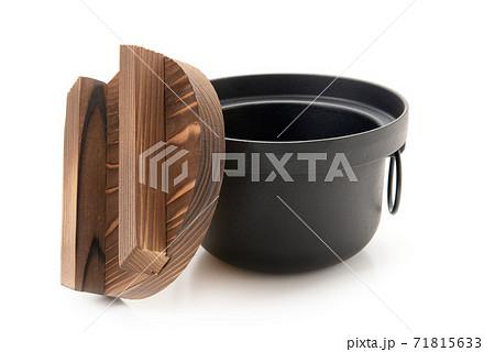炊飯用の鉄釜 71815633