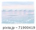 背景素材 穏やかな遠浅の海のイメージ トワイライト 白縁  71900419