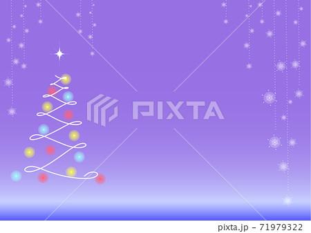 クリスマスイメージの夜空とツリーの背景 71979322