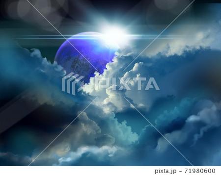 美しい宇宙に輝く青い惑星と雲と反射する太陽光 71980600