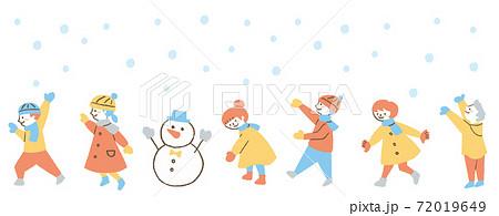 雪で遊ぶ子ども2 72019649