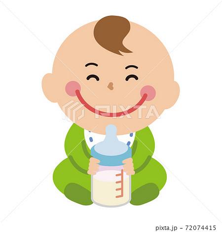ポップな赤ちゃん 全身 哺乳瓶をもって笑顔 72074415