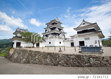 大洲城 -左右の二重櫓を従えた四重天守- 愛媛県大洲市大洲 72161713