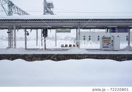 雪の米沢駅 72220801